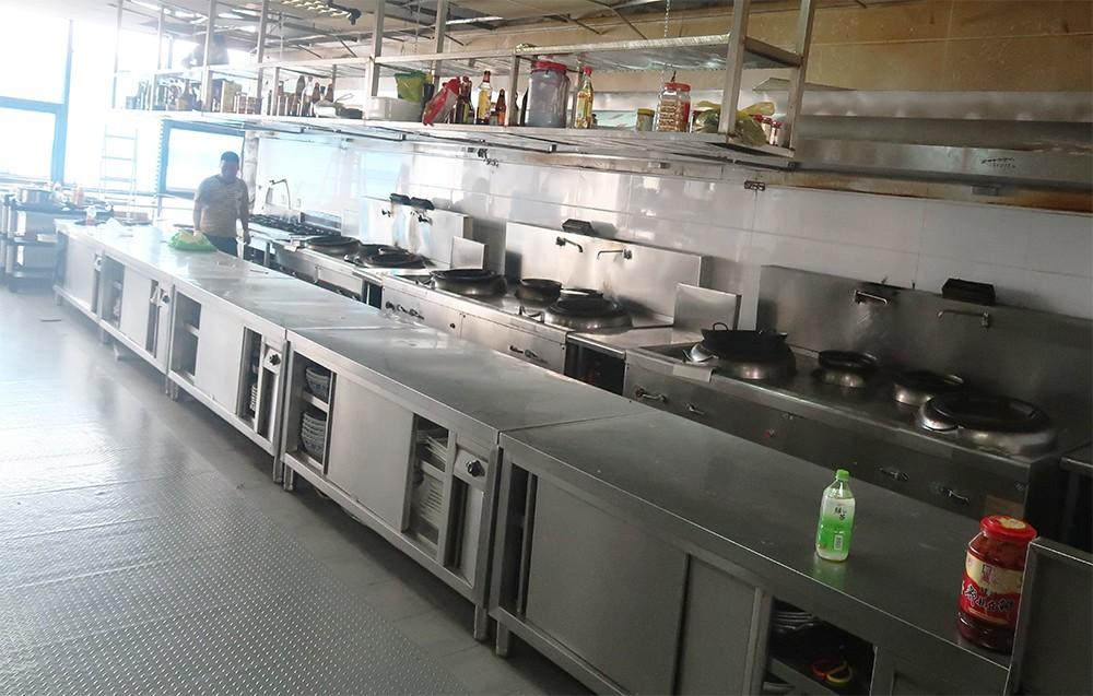 金厨鑫大功率电磁炉走进朝鲜餐厅后厨