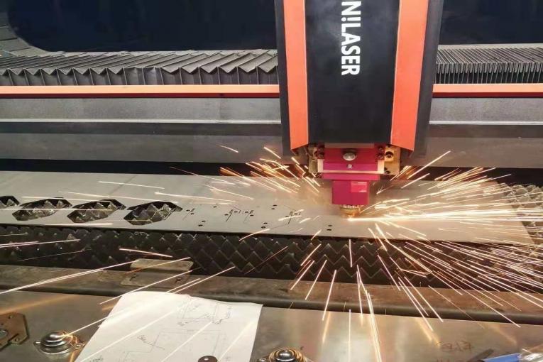 激光开料折弯一次成型